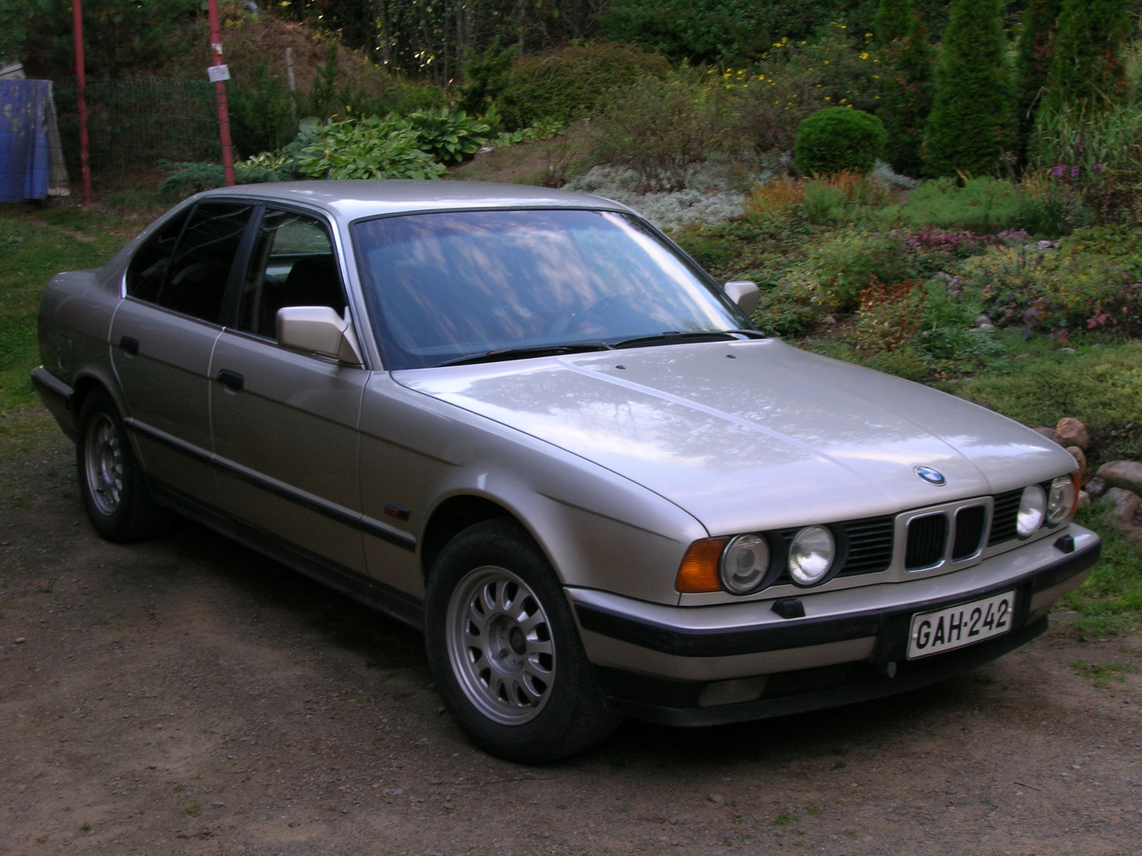 BMW 5 series 518i 1992 photo - 2