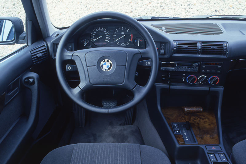 BMW 5 series 518i 1995 photo - 4
