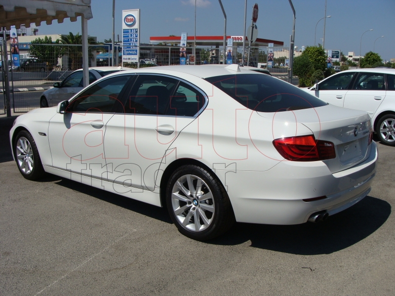BMW 5 series 520d 2011 photo - 11