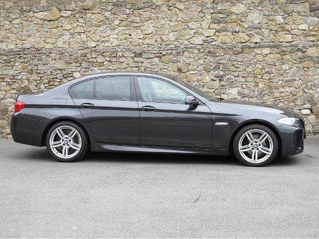 BMW 5 series 520d 2011 photo - 3
