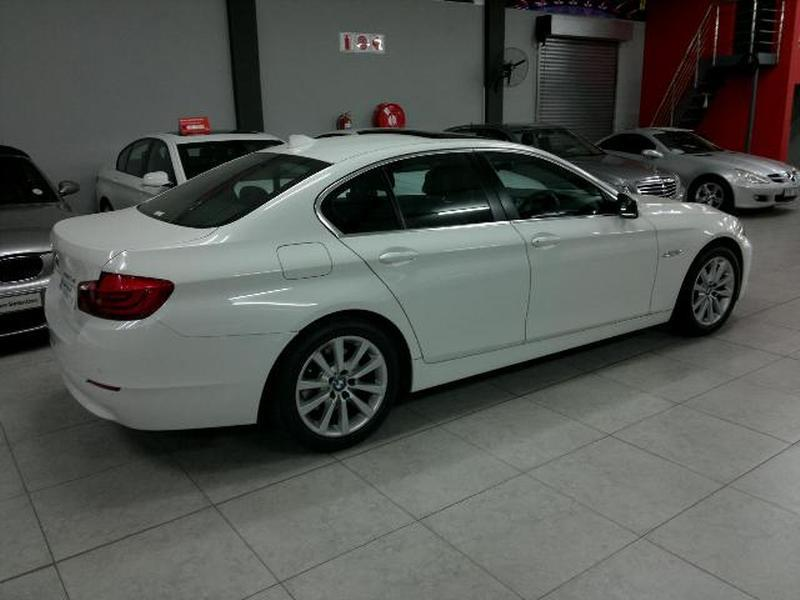 BMW 5 series 520d 2011 photo - 9