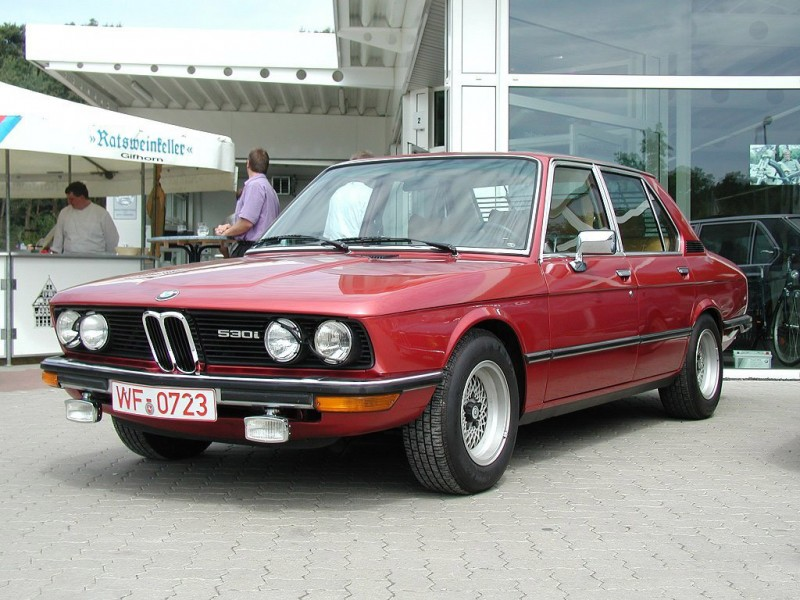 BMW 5 series 520i 1976 photo - 5