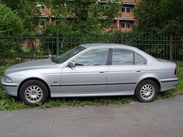 BMW 5 series 523i 1997 photo - 5