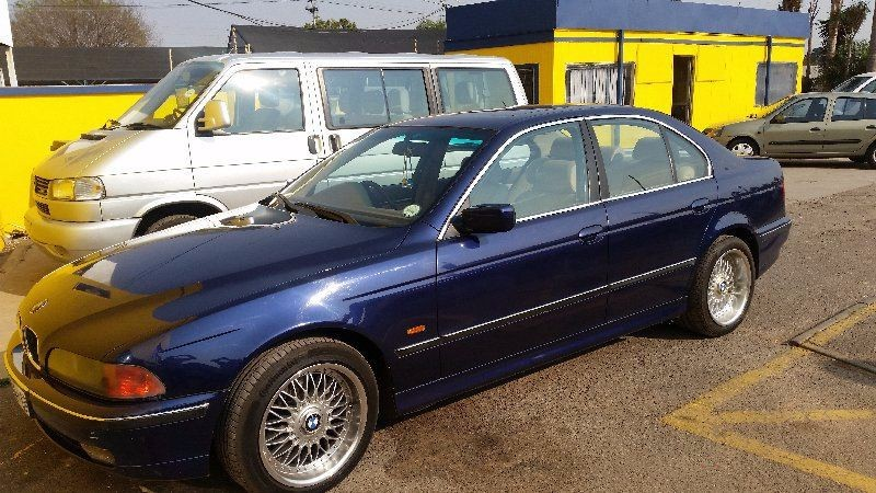 BMW 5 series 523i 1998 photo - 1