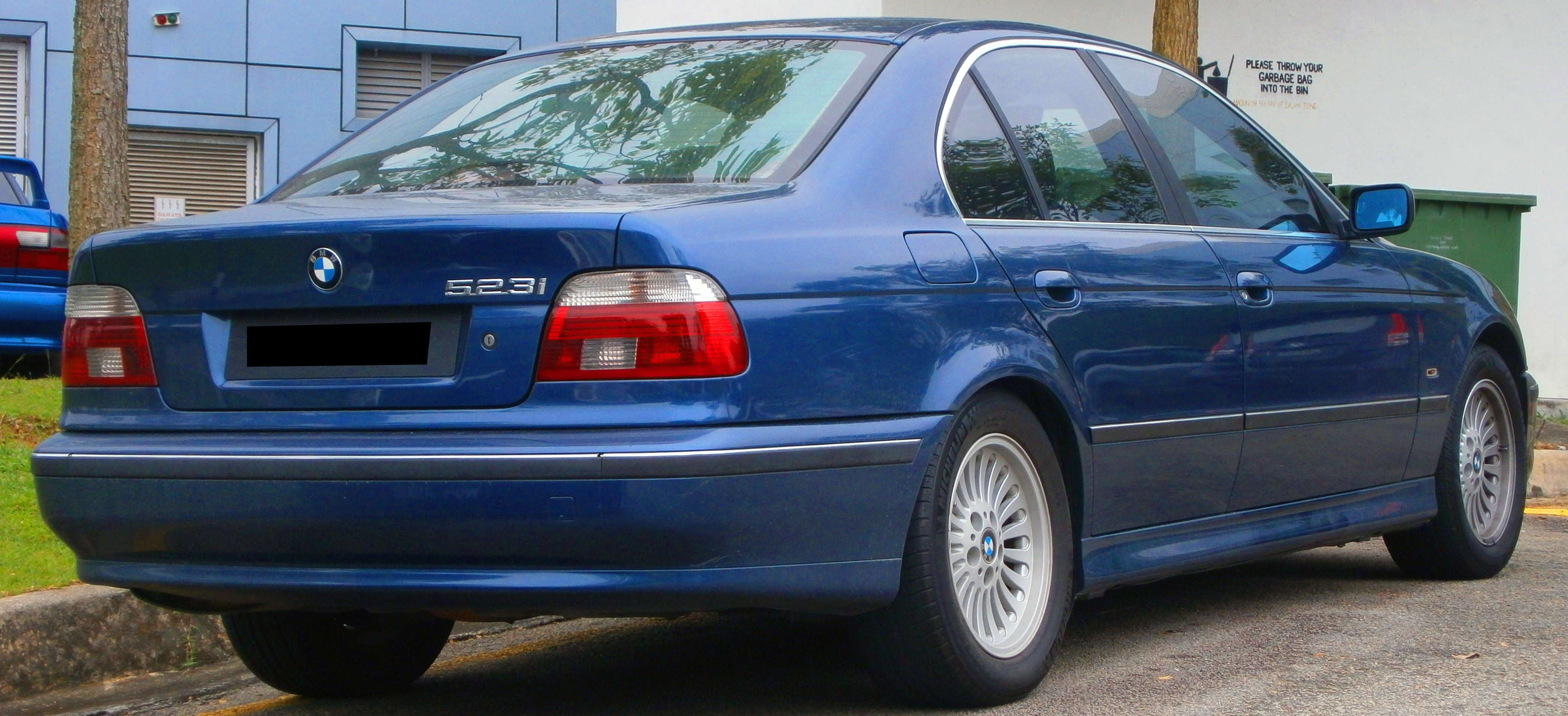 BMW 5 series 523i 1999 photo - 1