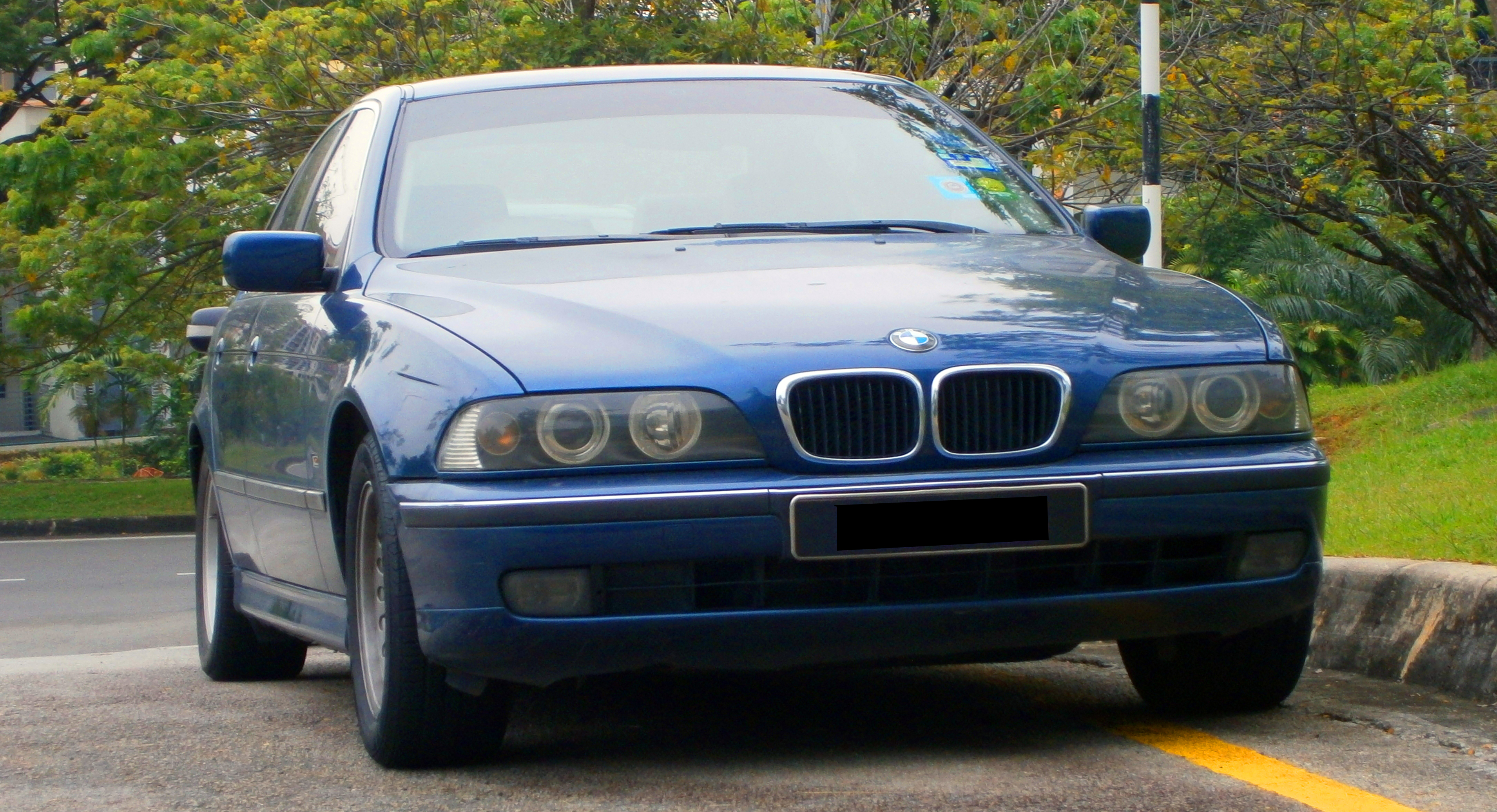 BMW 5 series 523i 1999 photo - 3