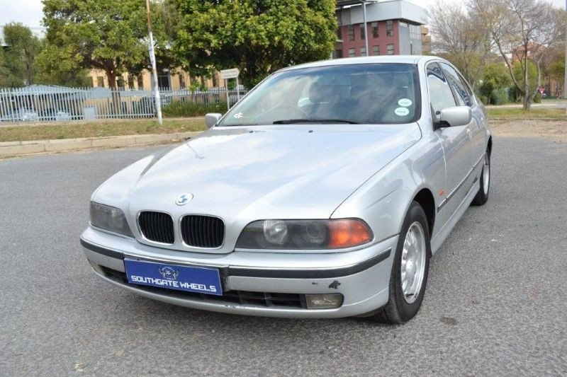 BMW 5 series 523i 1999 photo - 4