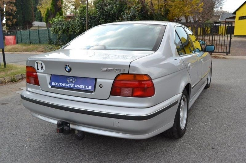 BMW 5 series 523i 1999 photo - 7