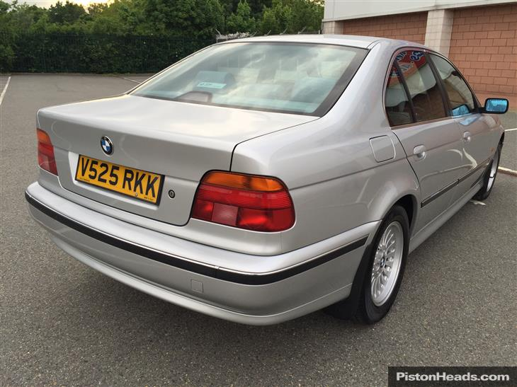BMW 5 series 523i 1999 photo - 9