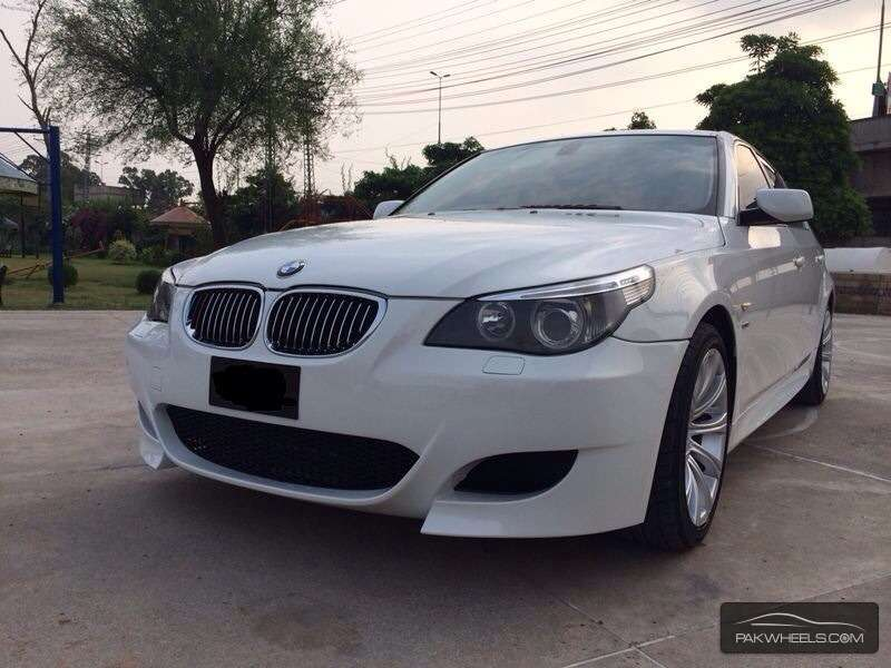 BMW 5 series 523i 2006 photo - 1