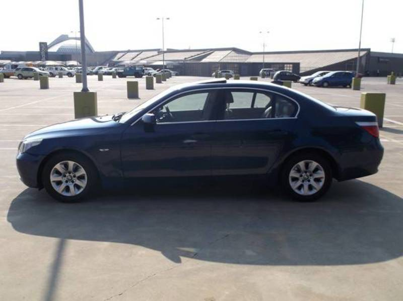 BMW 5 series 523i 2006 photo - 4