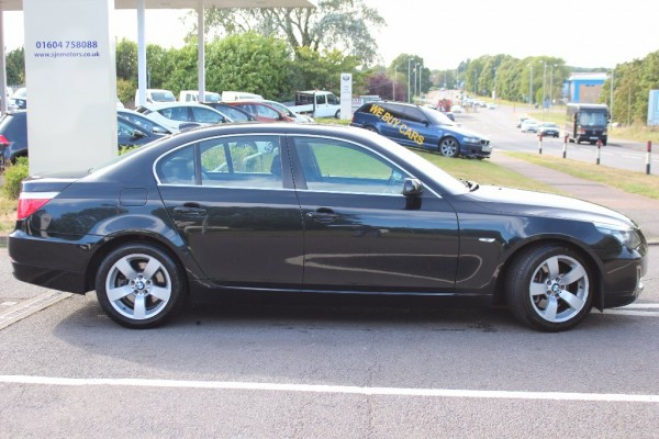 BMW 5 series 523i 2009 photo - 2