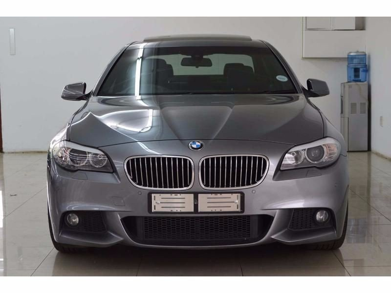 BMW 5 series 523i 2011 photo - 10