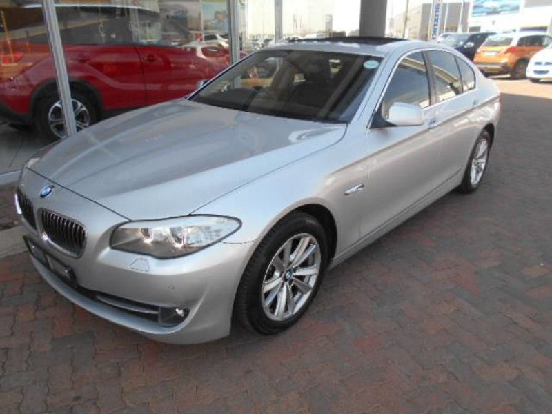 BMW 5 series 523i 2011 photo - 5