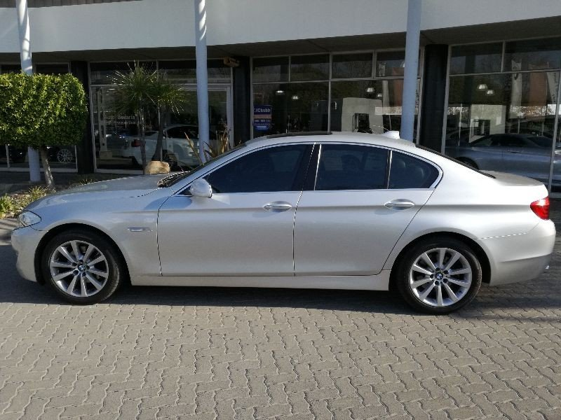 BMW 5 series 523i 2011 photo - 7