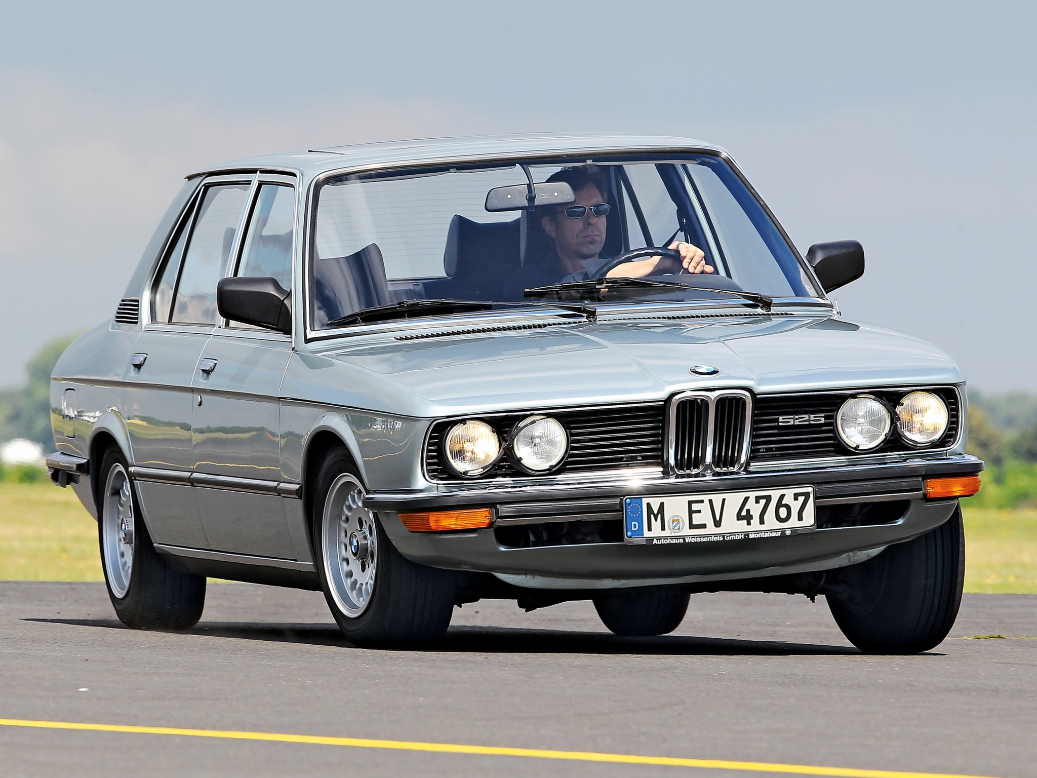 BMW 5 series 525 1981 photo - 8