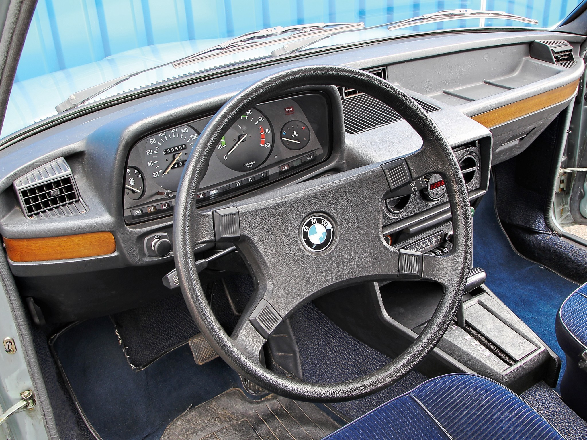 BMW 5 series 525 1981 photo - 9