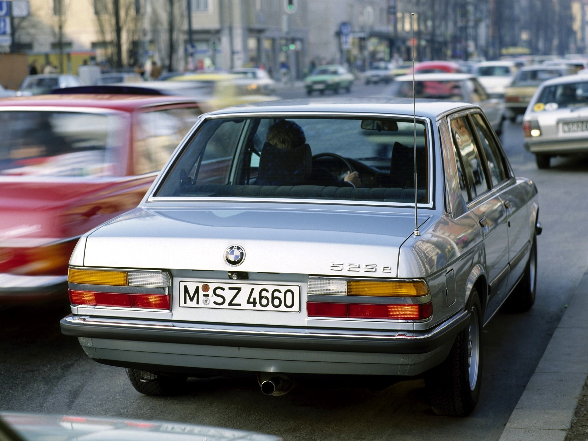 BMW 5 series 525e 1983 photo - 1