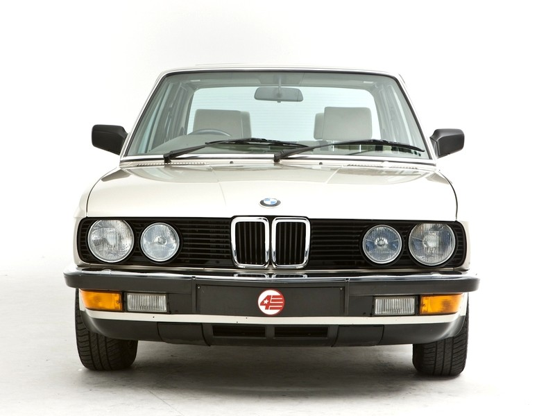 BMW 5 series 525e 1983 photo - 5