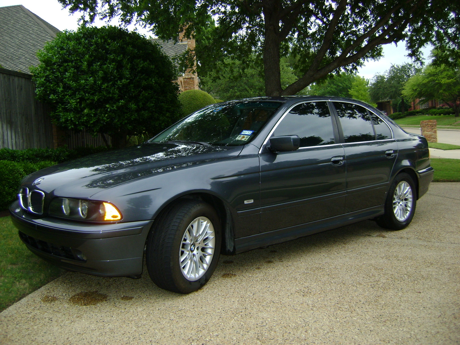 BMW 5 series 525i 2001 photo - 12