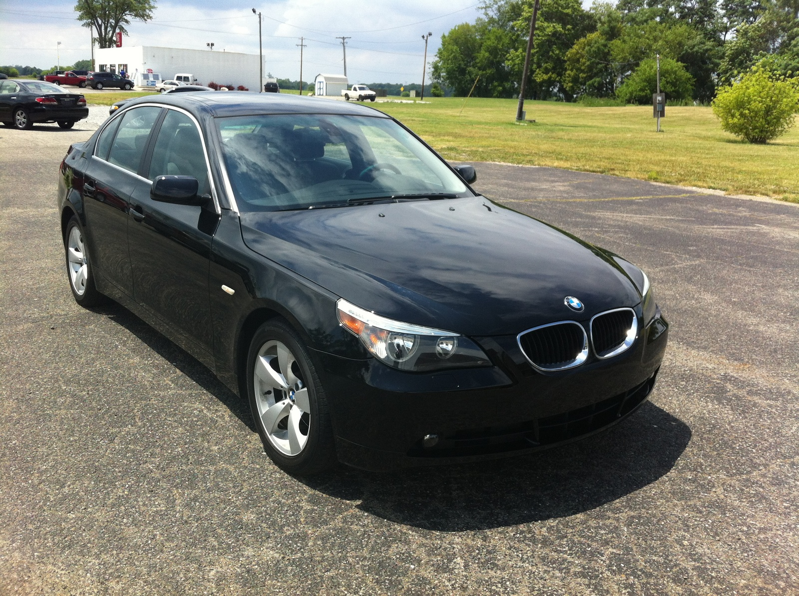 BMW 5 series 525i 2005 photo - 8