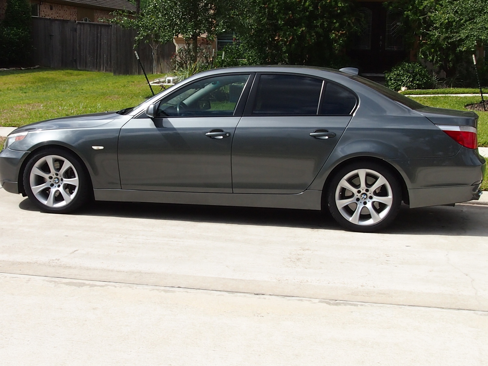 BMW 5 series 525i 2005 photo - 9