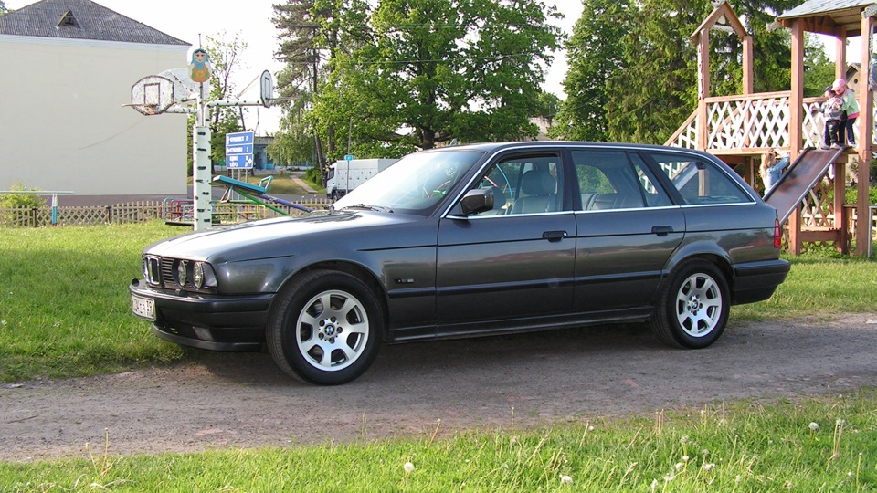 BMW 5 series 525td 1992 photo - 12