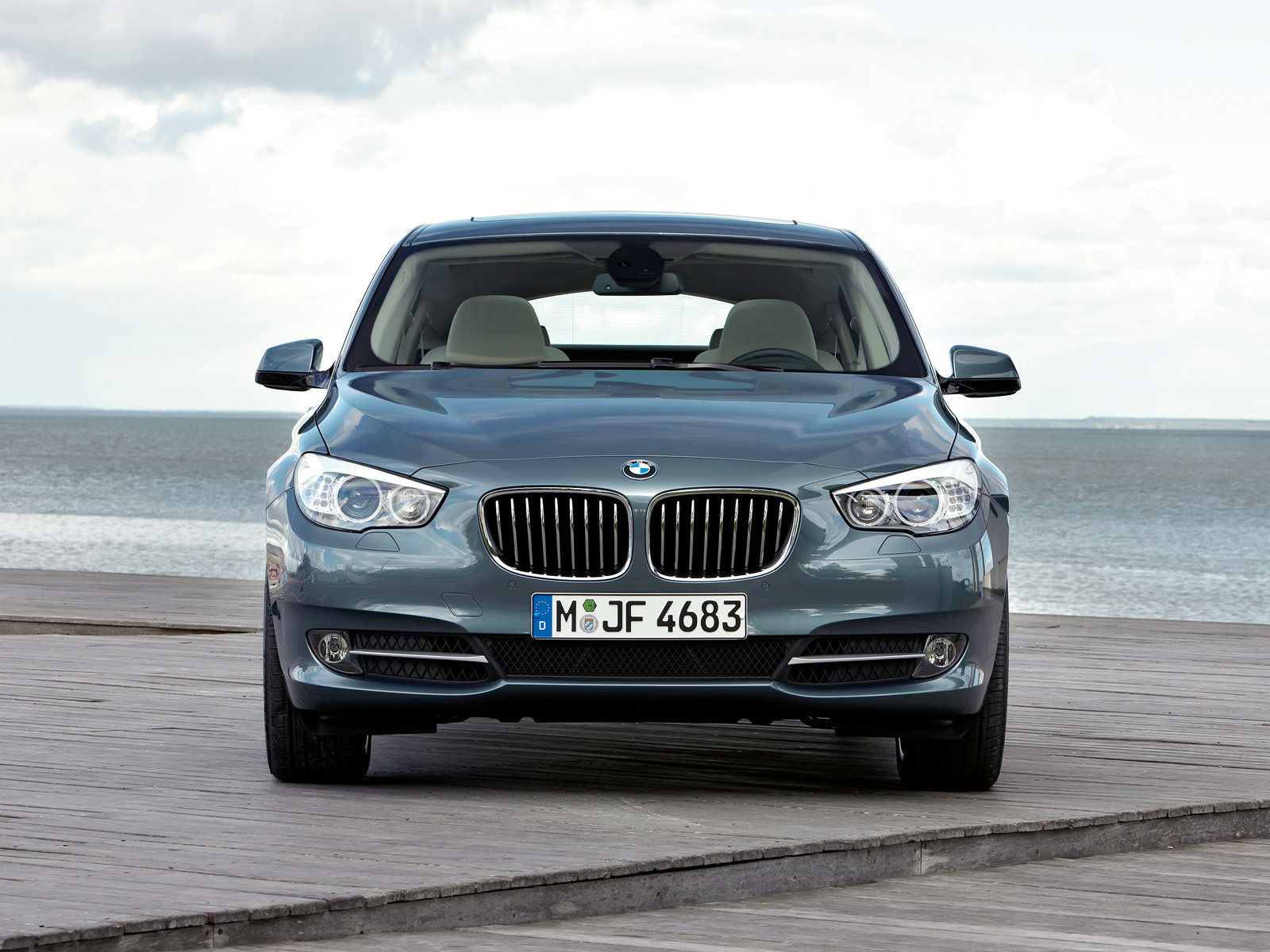 BMW 5 series 525xd 2010 photo - 12