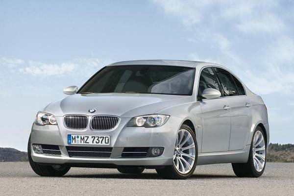 BMW 5 series 525xd 2010 photo - 3