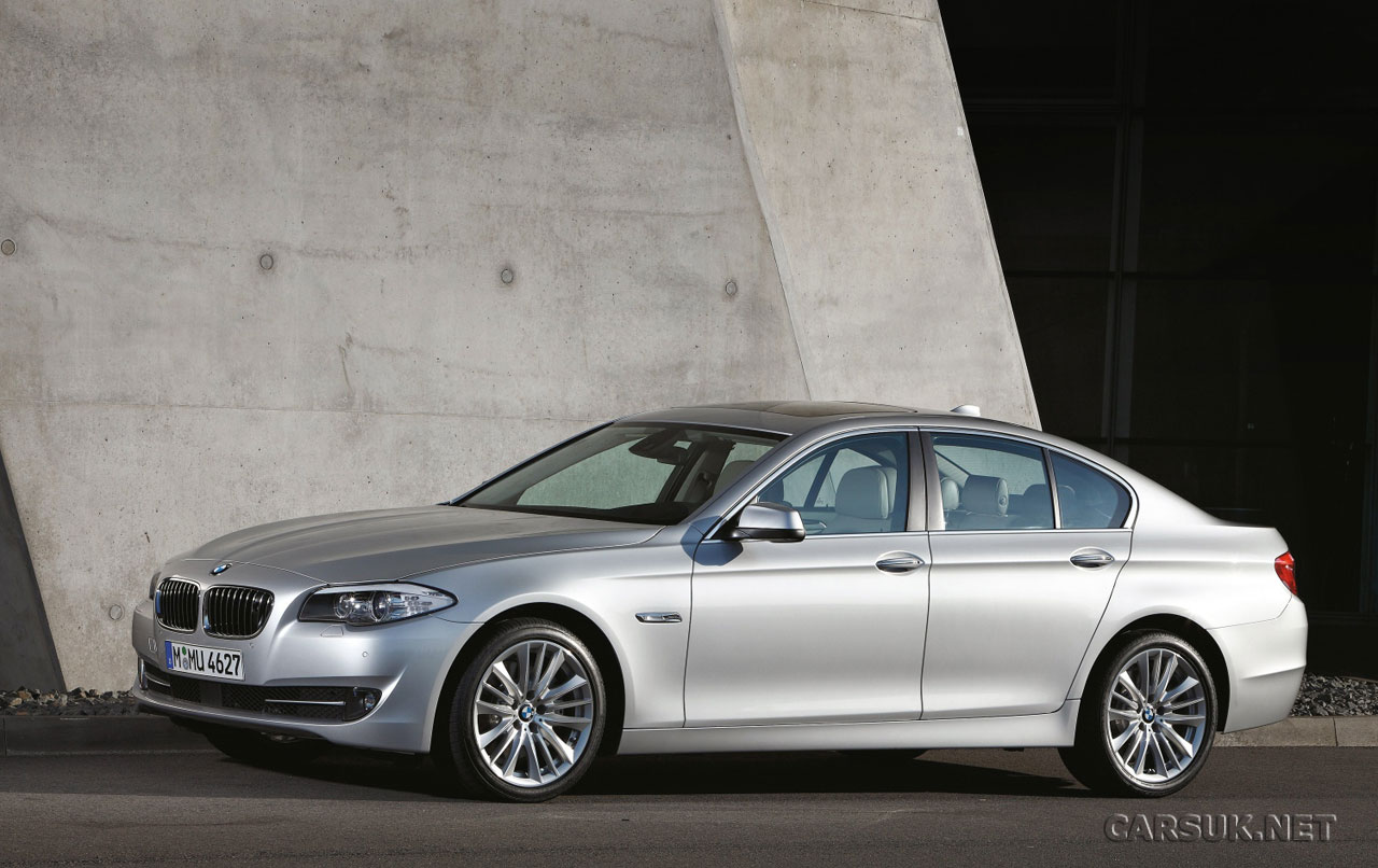 BMW 5 series 525xi 2010 photo - 3