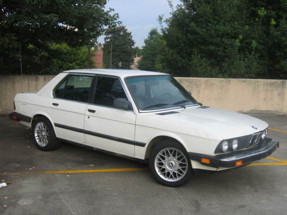 BMW 5 series 528e 1988 photo - 8