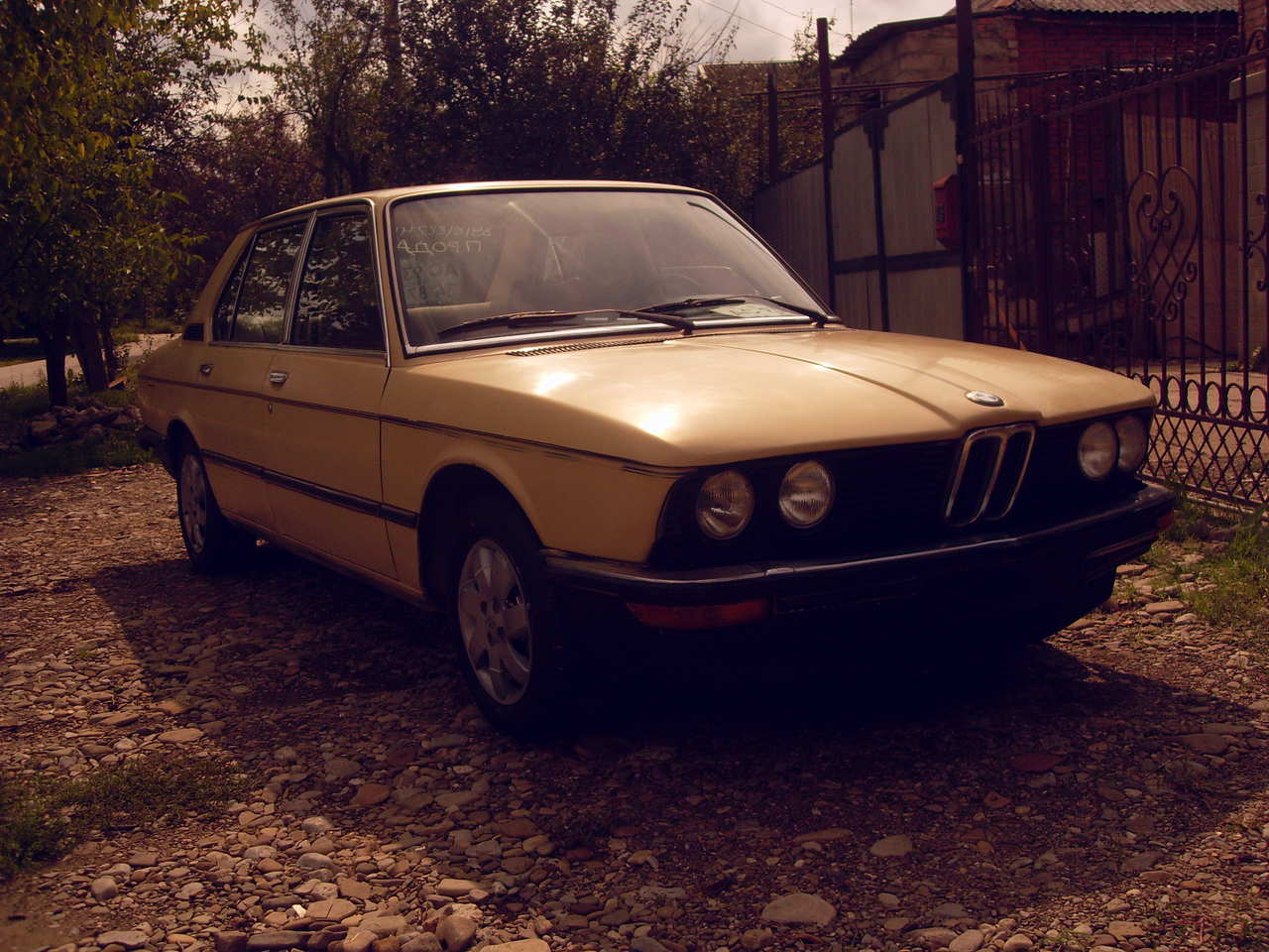 BMW 5 series 528i 1976 photo - 2