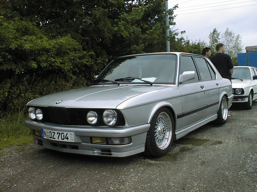 BMW 5 series 528i 1984 photo - 7