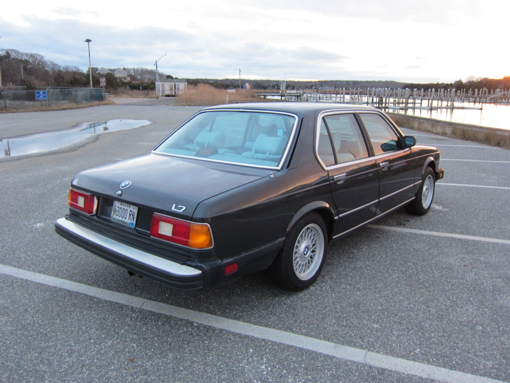 BMW 5 series 528i 1986 photo - 8