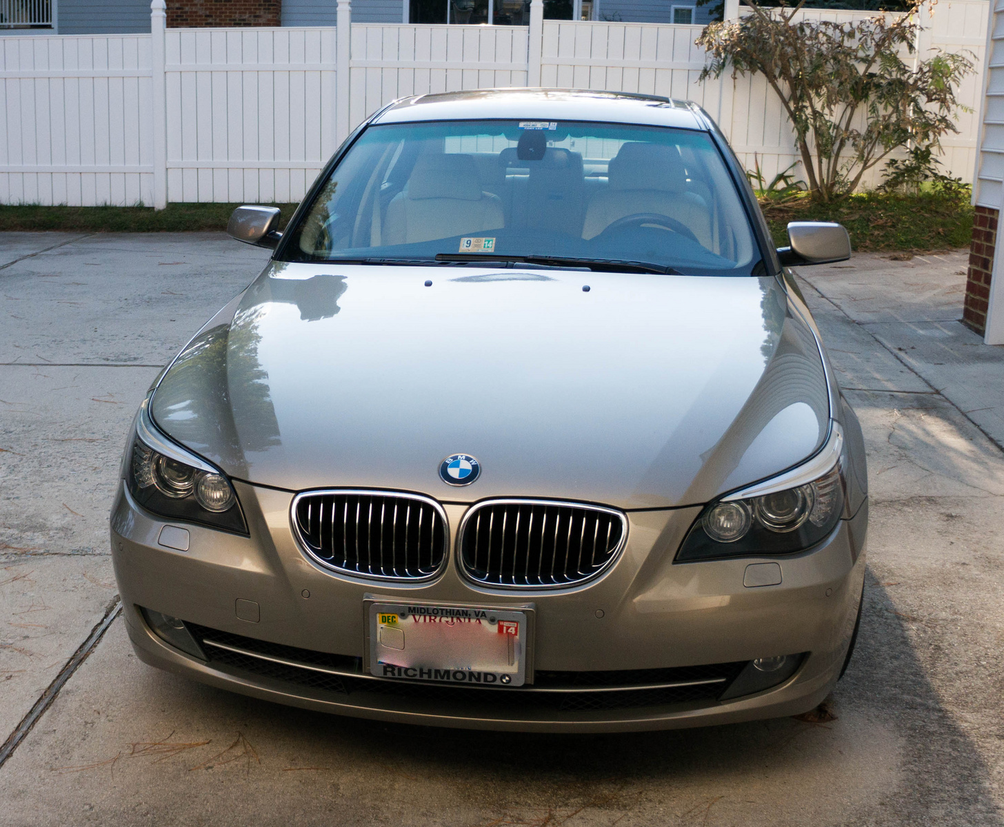 BMW 5 series 528i 2008 photo - 9