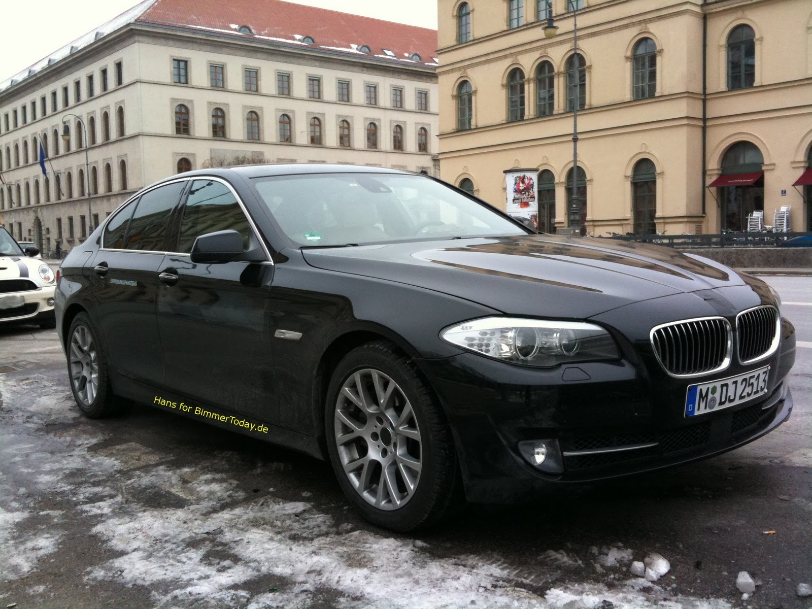 BMW 5 series 528i 2011 photo - 9