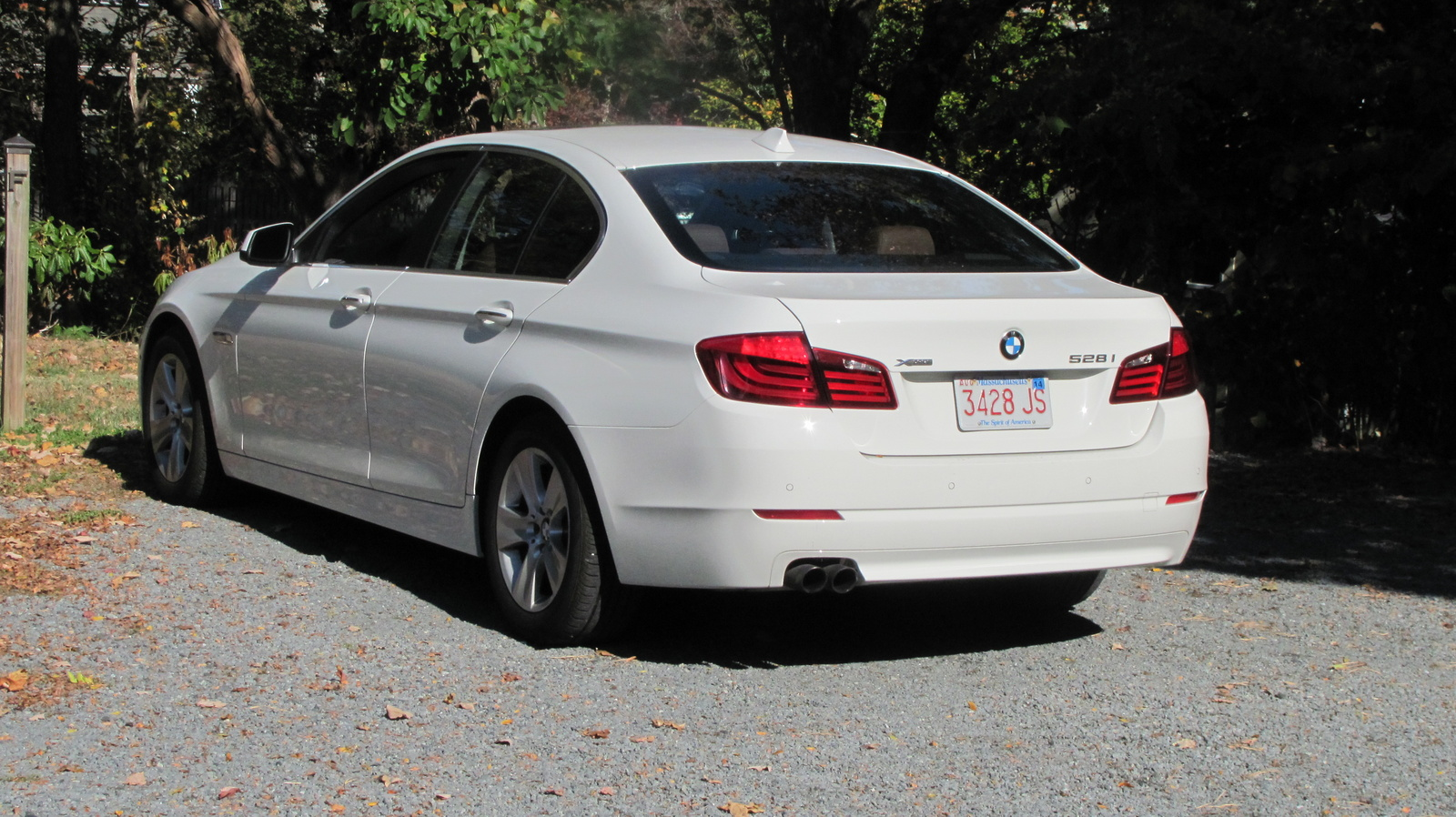 BMW 5 series 528i 2013 photo - 12