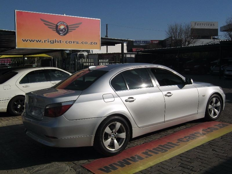 BMW 5 series 530d 2004 photo - 12