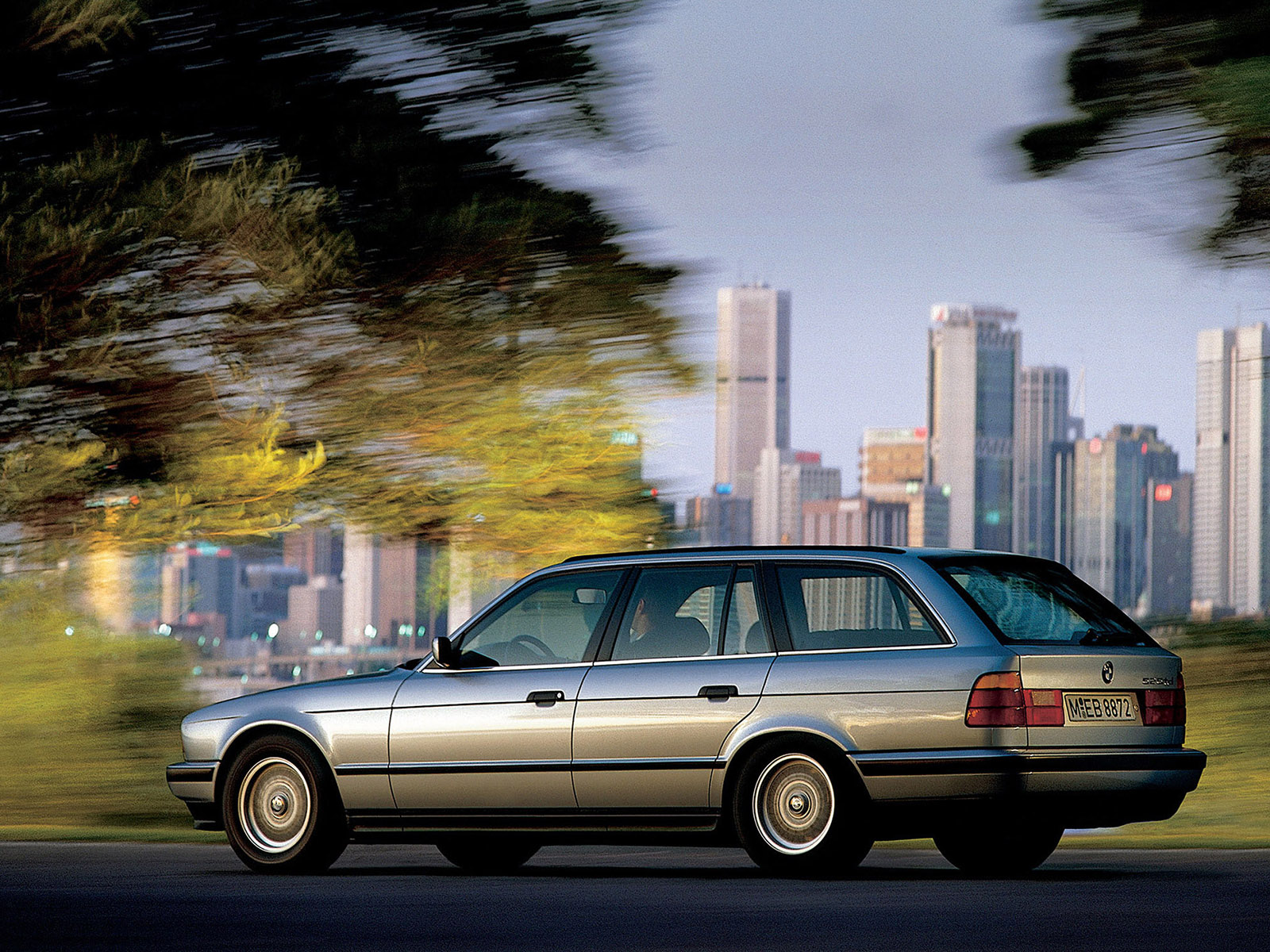 BMW 5 series 530i 1992 photo - 5