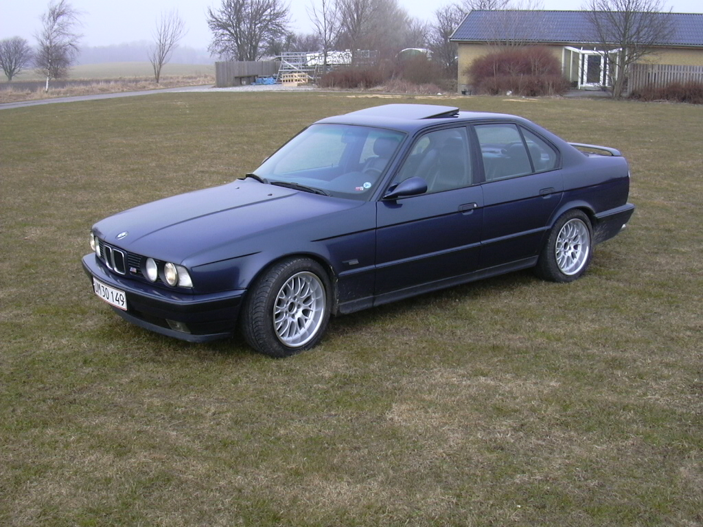 BMW 5 series 530i 1992 photo - 8