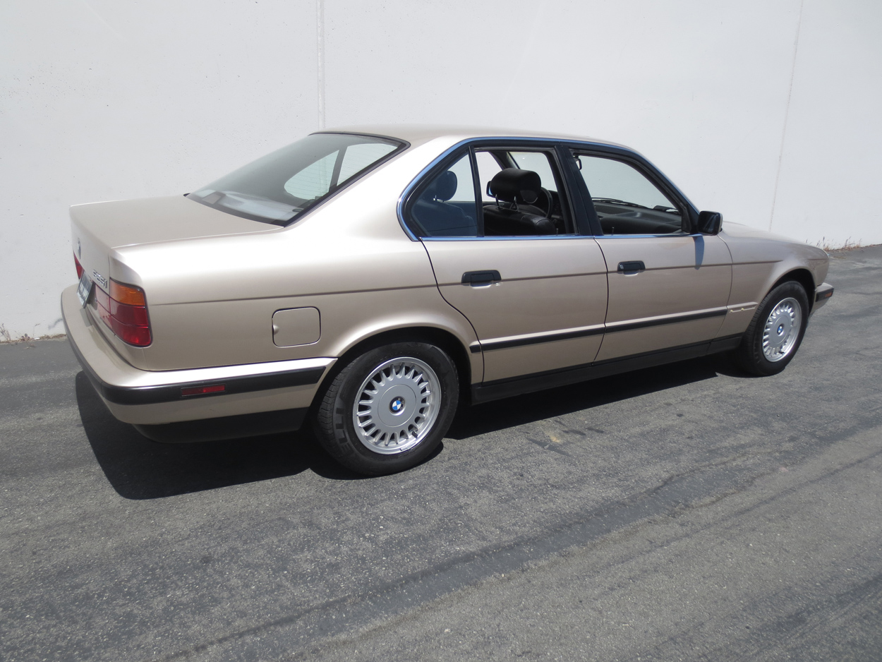 BMW 5 series 530i 1993 photo - 8