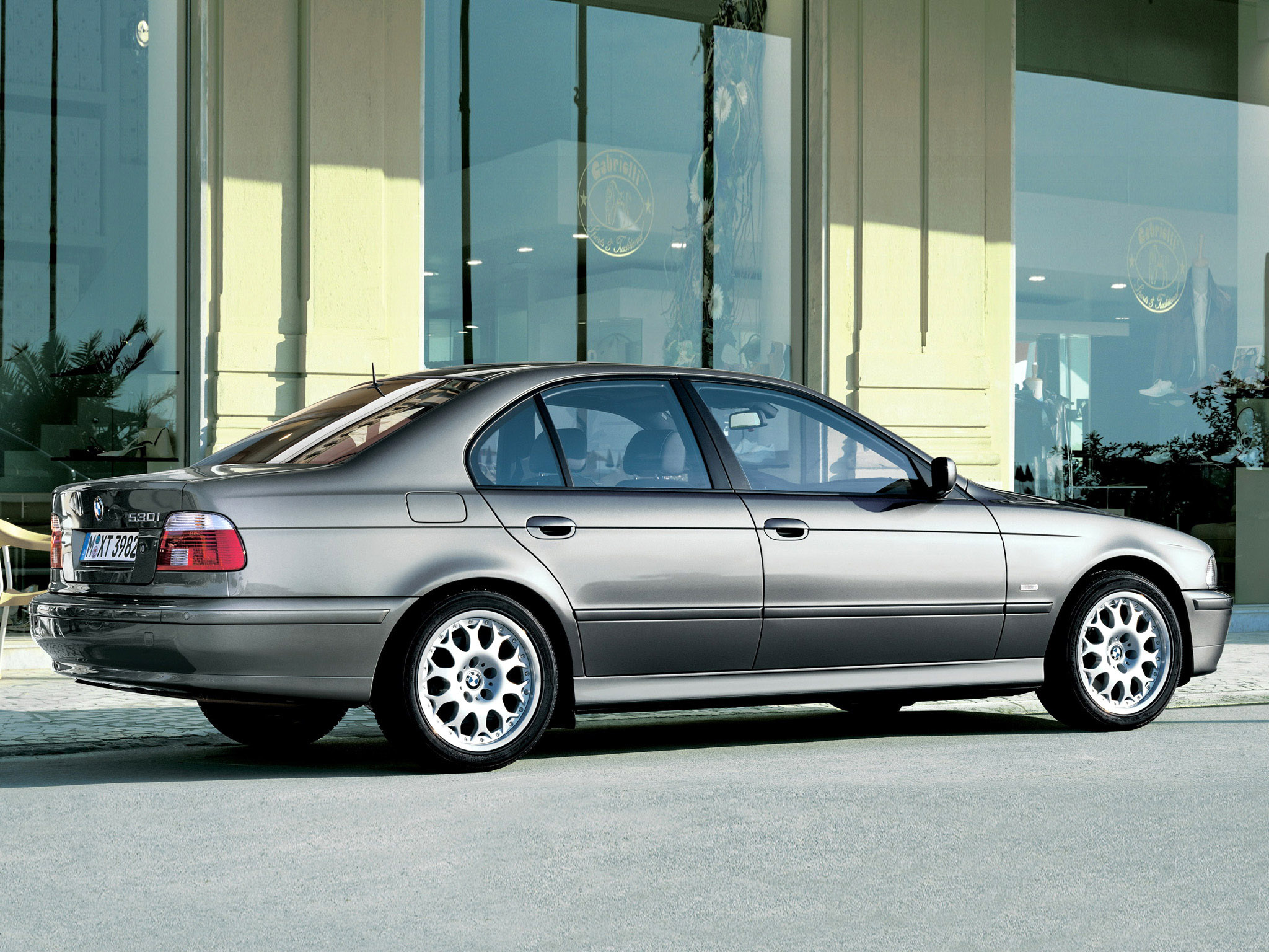 BMW 5 series 530i 2000 photo - 5