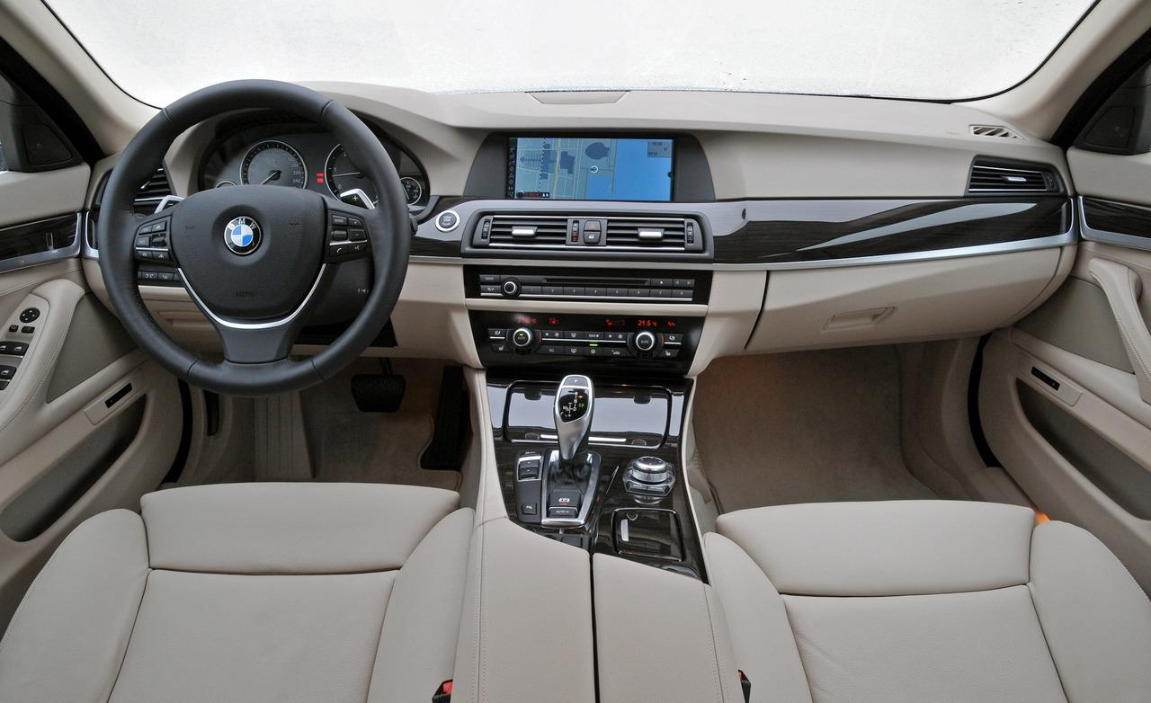 BMW 5 series 530i 2012 photo - 2