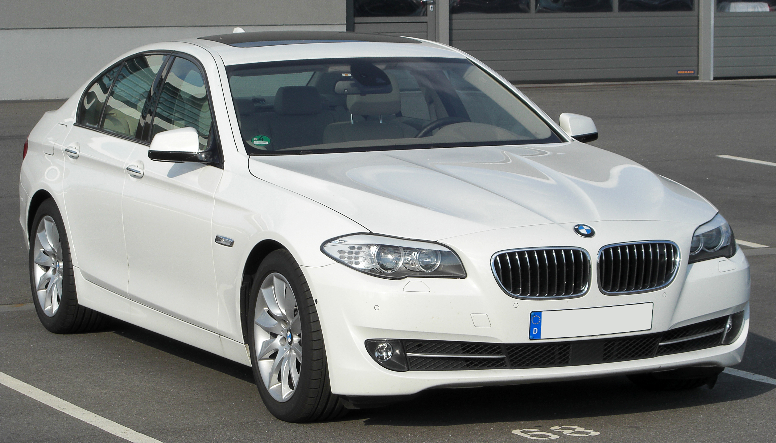 BMW 5 series 530i 2012 photo - 5