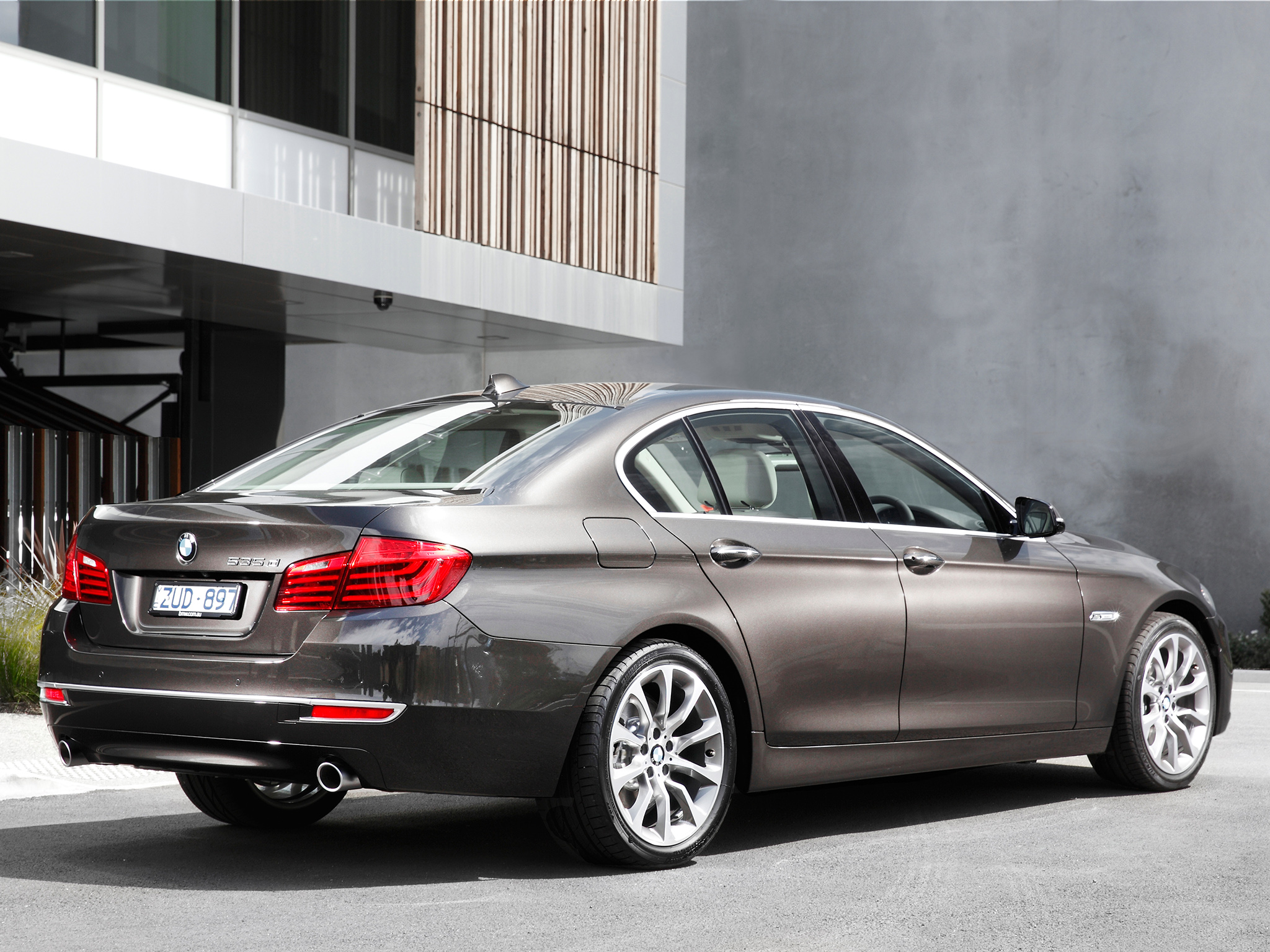 BMW 5 series 535d 2013 photo - 11