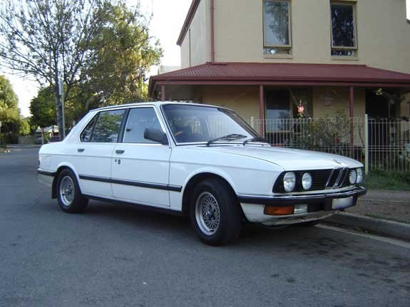 BMW 5 series 535i 1982 photo - 4