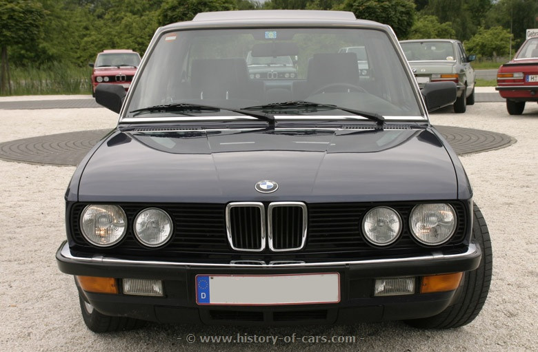 BMW 5 series 535i 1984 photo - 8