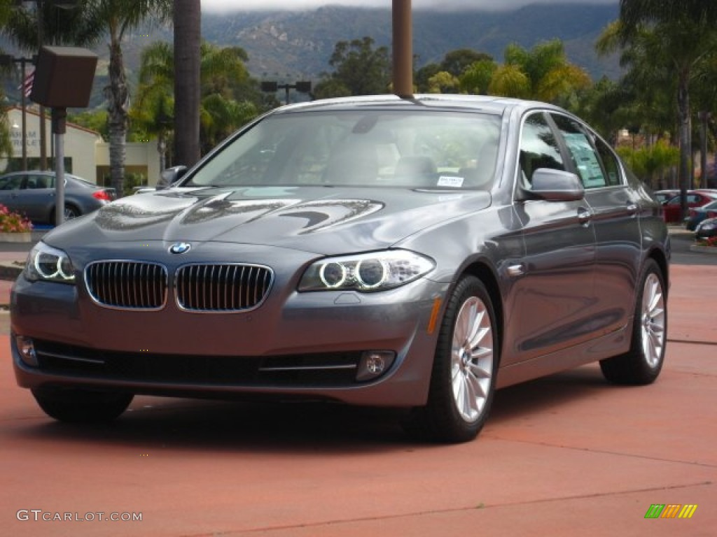 BMW 5 series 535i 2011 photo - 6