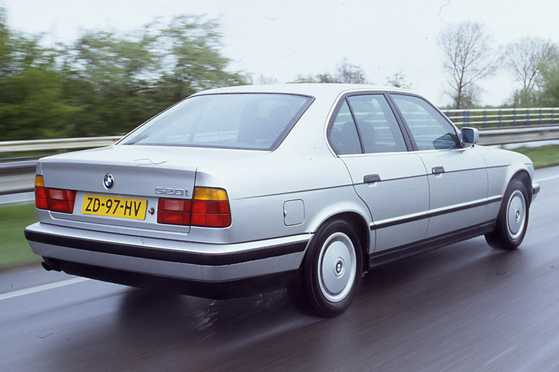 BMW 5 series 540i 1992 photo - 11