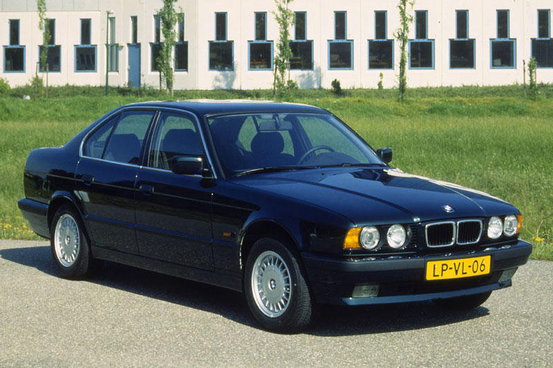 BMW 5 series 540i 1992 photo - 7
